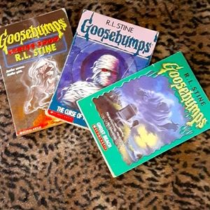 💋4/$20Gently used R.L. Stone Goosebumps books